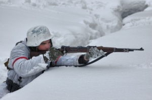 german-soldier-of-ww2-winter