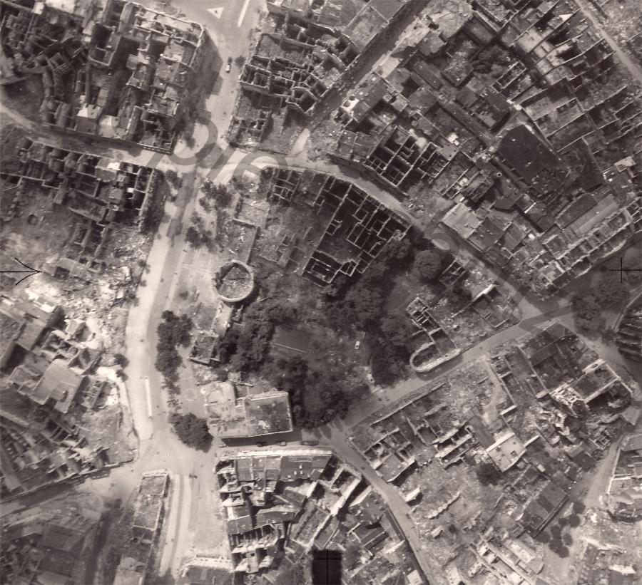 Aachen-1945-Elisenbrunnen