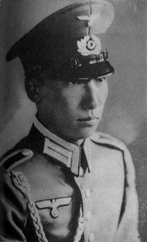 Chiang_Wei-kuo_Nazi_2