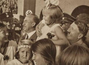 hitler-celebrates-with-german-youth
