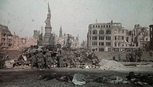 1945-Dresden pyres
